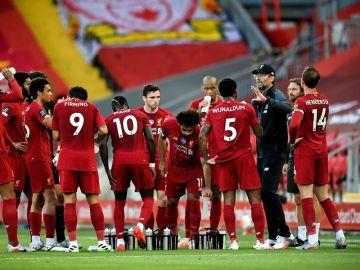 El Liverpool conquista su primera Premier League en 30 años