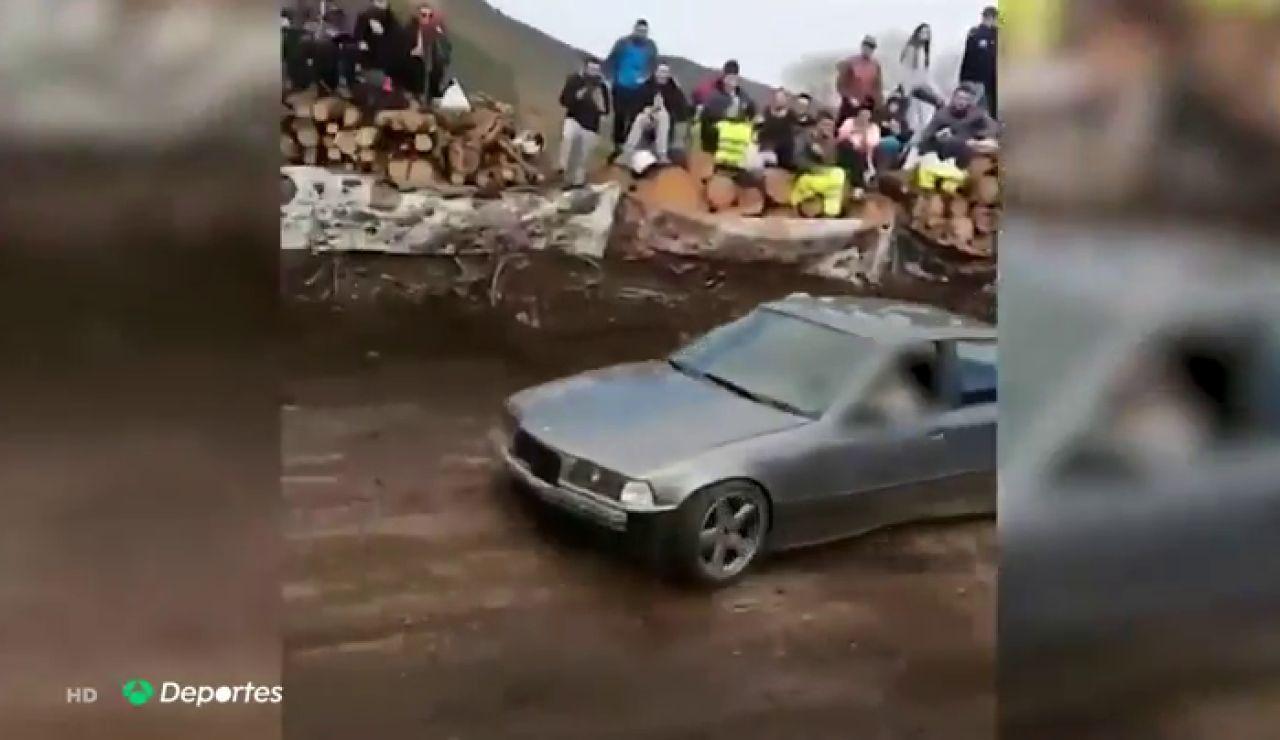 Un espontáneo siembra el pánico durante un rally en Asturias