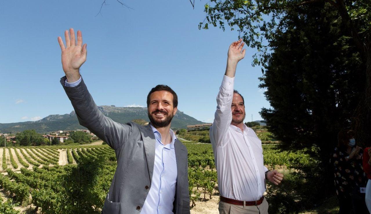 El presidente del PP, Pablo Casado, y el candidato a lehendakari, Carlos Iturgaiz