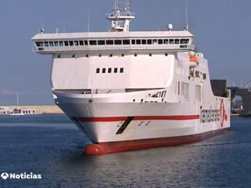 Los ferrys vuelven a llevar pasajeros a bordo tras la crisis del coronavirus