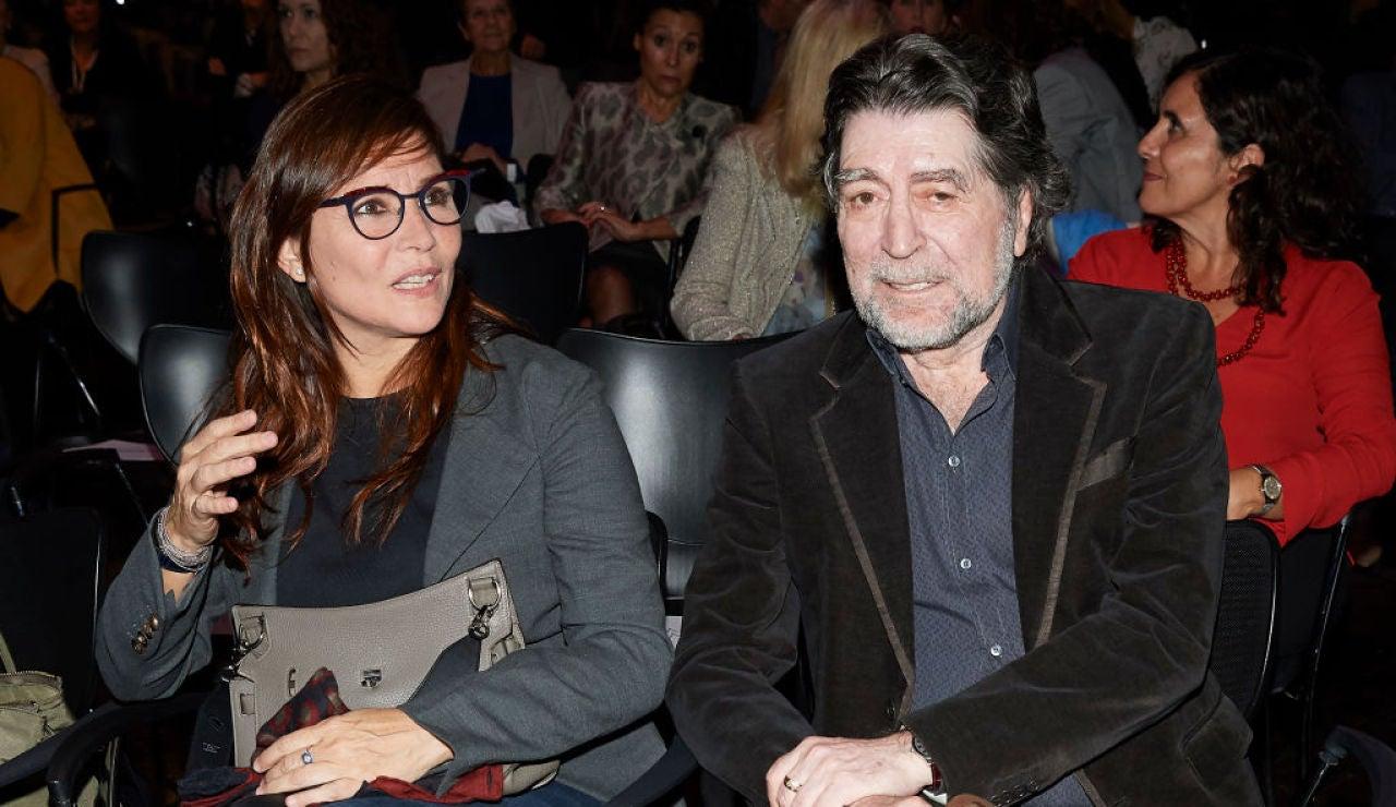 Joaquín Sabina y Jimena Coronado, durante un acto