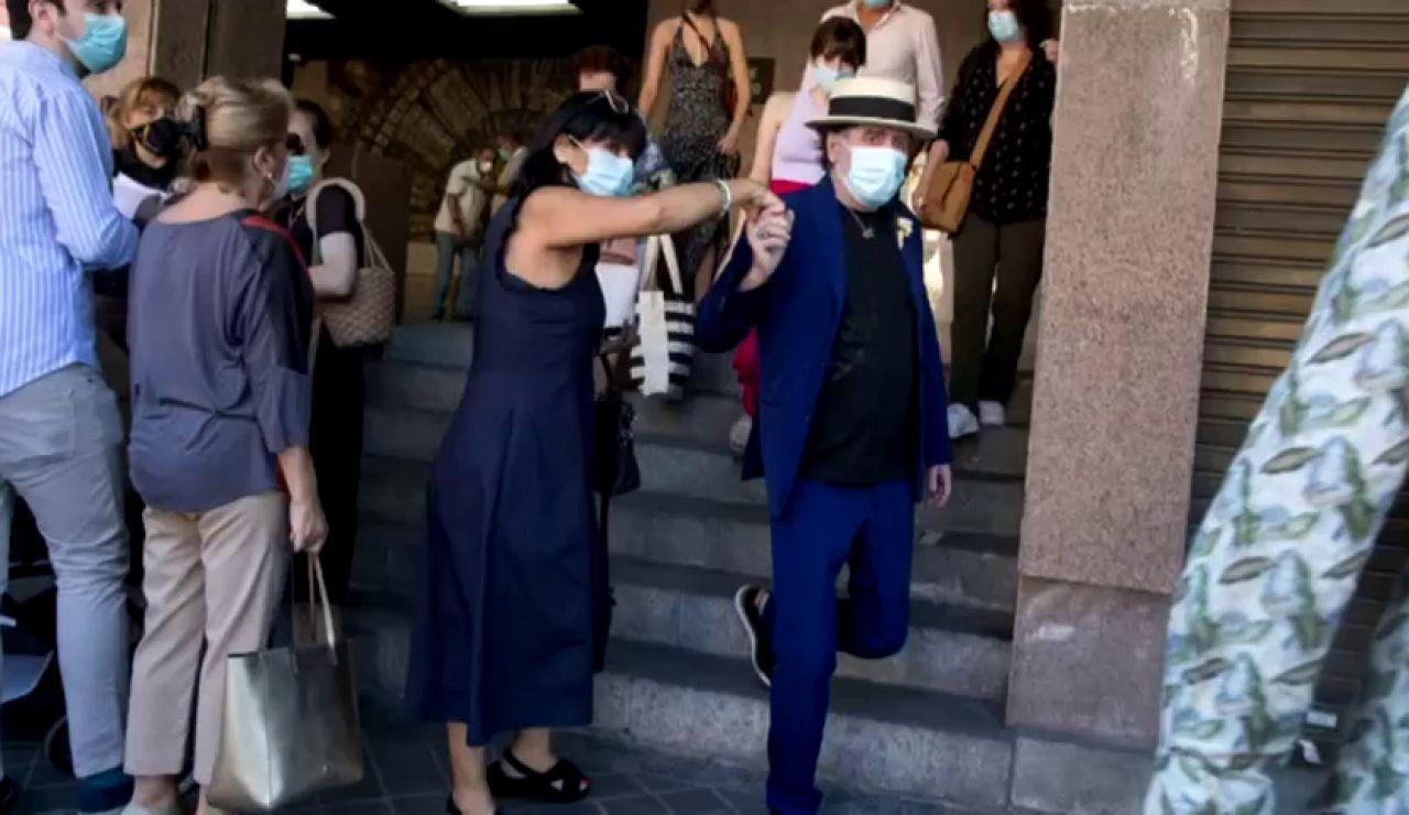 Joaquín Sabina se casa en secreto con Jimena Colorado con Serrat como testigo
