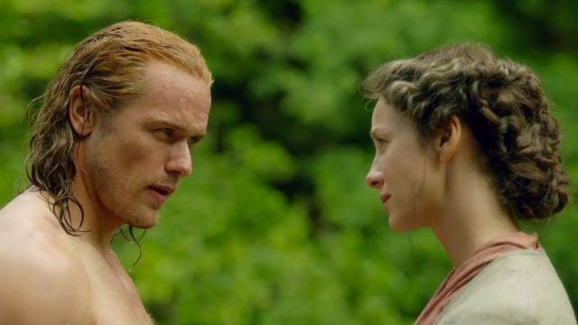 Sam Heughan y Caitriona Balfe como Jamie Fraser y Claire en 'Outlander'