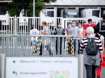 Empleados de la empresa cárnica alemana en la que se ha detectado un brote de coronavirus