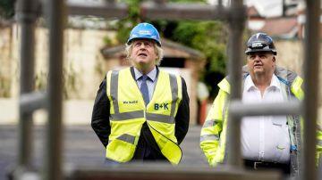 El Primer Ministro británico, Boris Johnson, visita una escuela secundaria en Londres