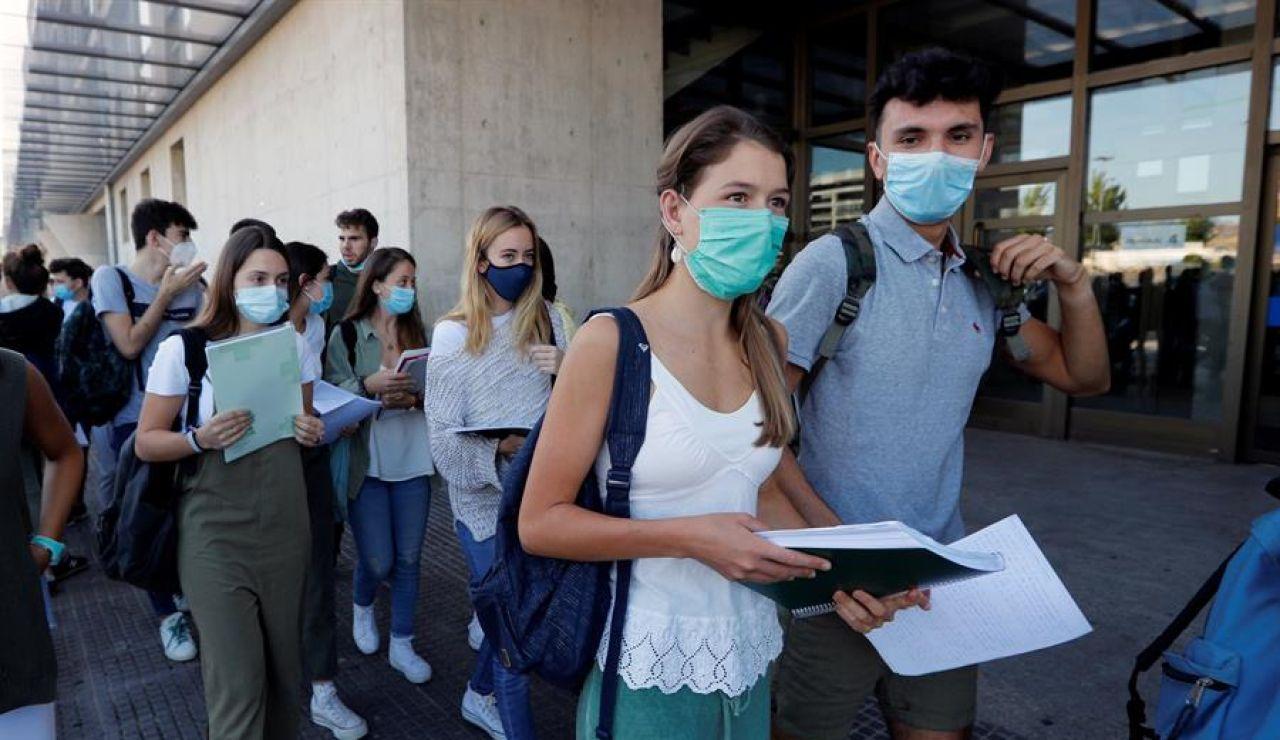 Estudiantes se preparan para la EBAU 2020