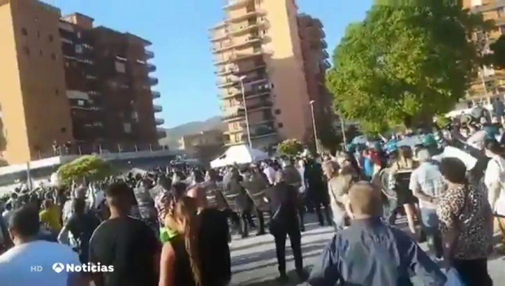 Increpan a Salvini cuando intentaba captar votos en una localidad del sur de Italia afectada por rebrotes de coronavirus