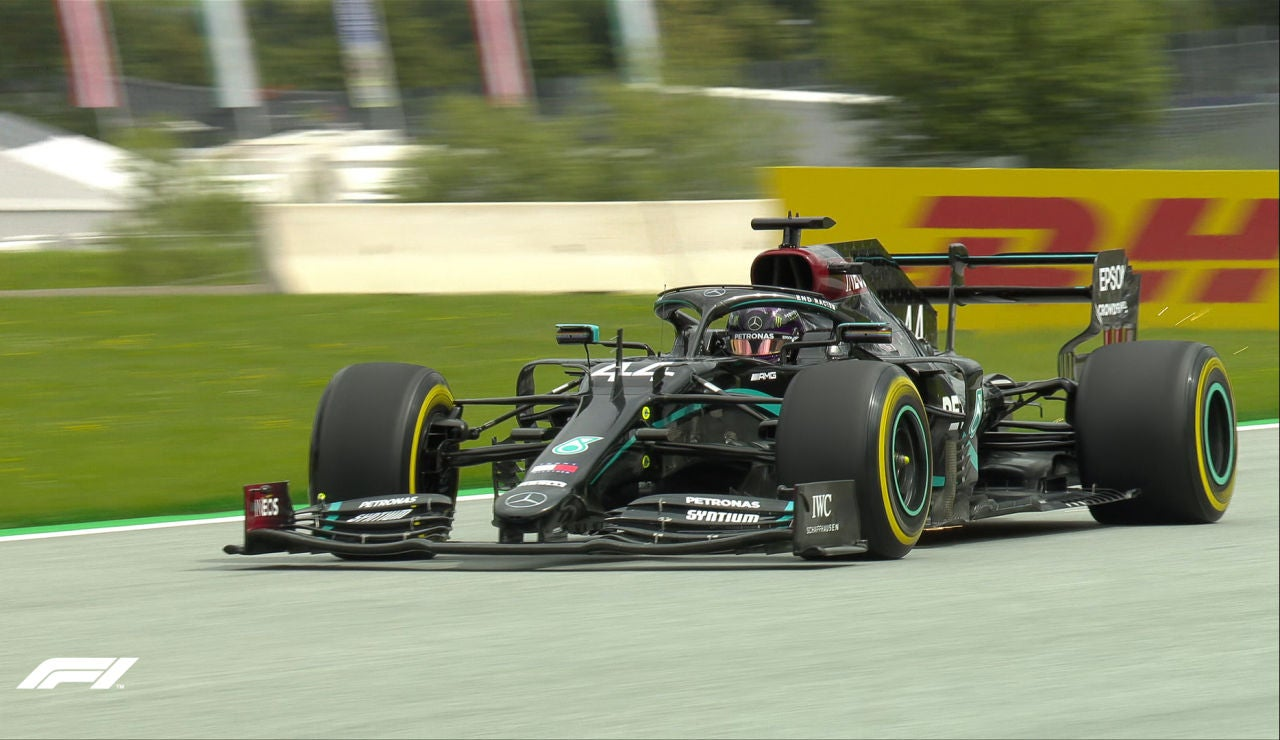 Lewis Hamilton rodando con su Mercedes