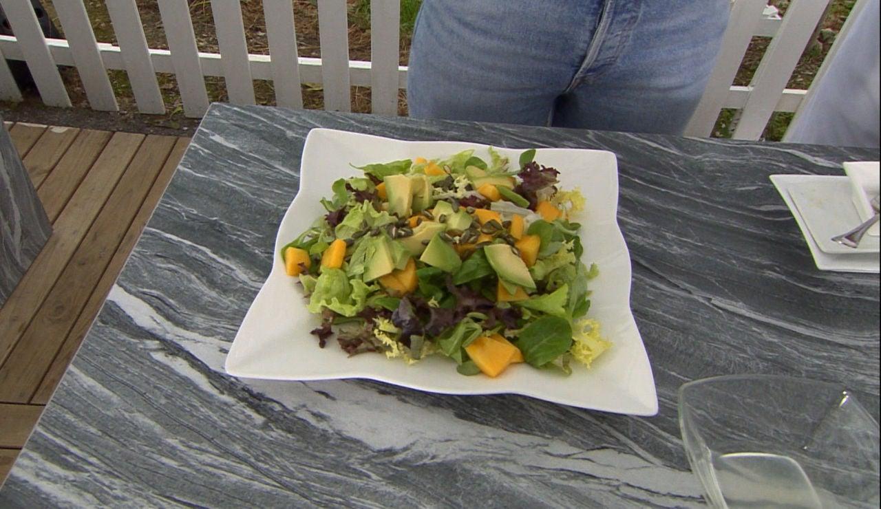 El truco de Ainhoa para darle 'vidilla' a las ensaladas con aguacate