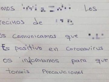 """Un matrimonio de Adra (Almería) pide a sus vecinos no """"entrar en pánico"""" tras confirmar que uno tiene coronavirus"""