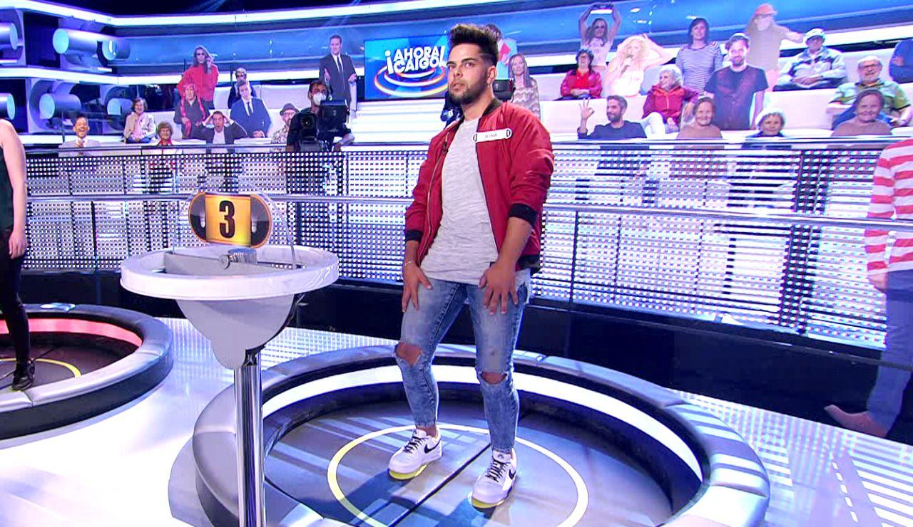 """Arturo Valls alucina con la caída de un concursante de '¡Ahora caigo!': """"¡Ha levitado!"""""""