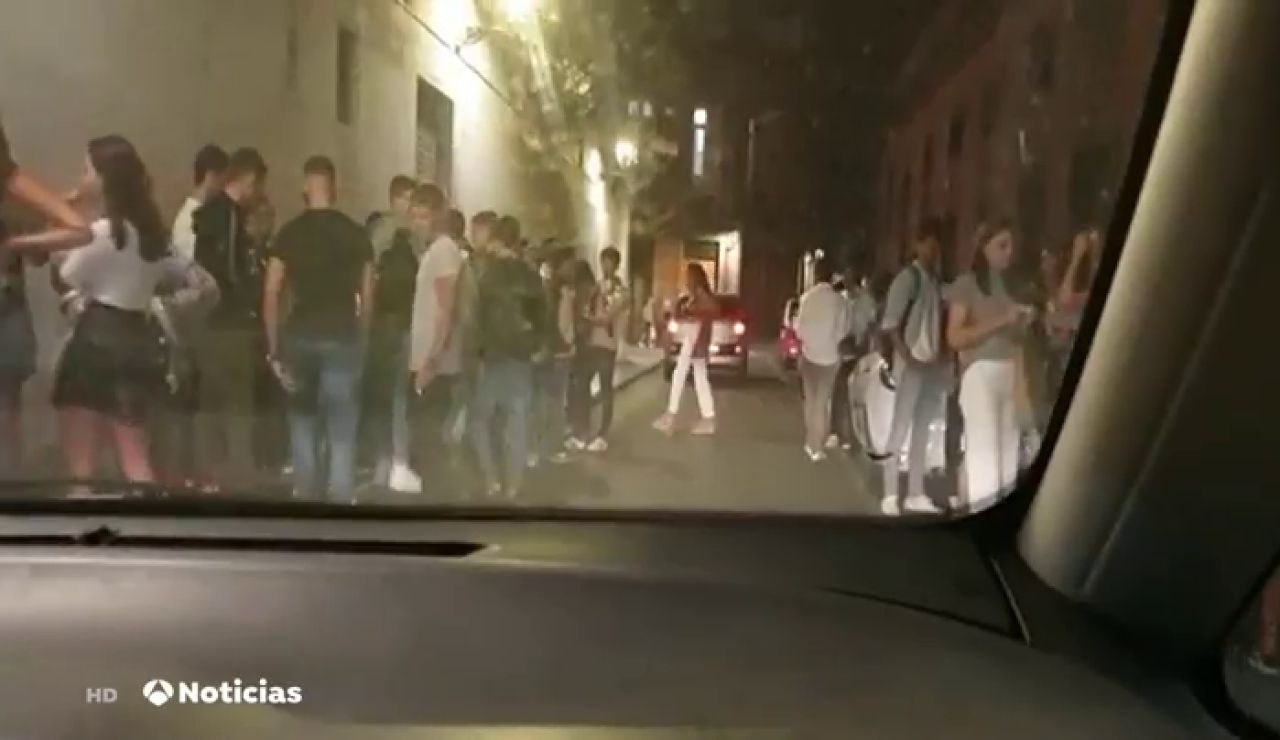 Botellón en Las Palmas de Gran Canaria sin mascarillas y sin distancia de seguridad por el coronavirus