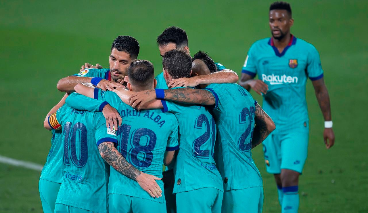 Los jugadores del Barcelona celebran un gol ante el VIllarreal