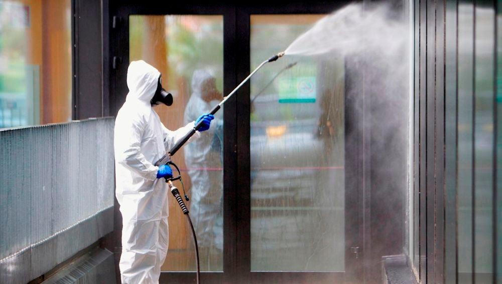 Desinfección de instalaciones (Archivo)