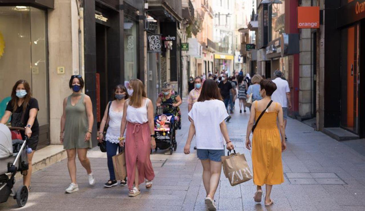 Ambiente de normalidad en el Carrer Major de Lleida, comarca del Segrià