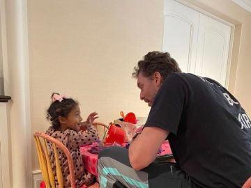 """Gasol pasa su 40 cumpleaños con las hijas de Kobe Bryant: """"Te queremos, tío Pau"""""""