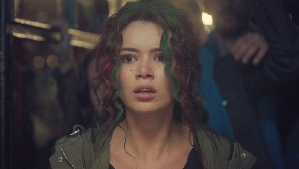 El accidente de barco que explica la obsesión de Şirin con Sarp