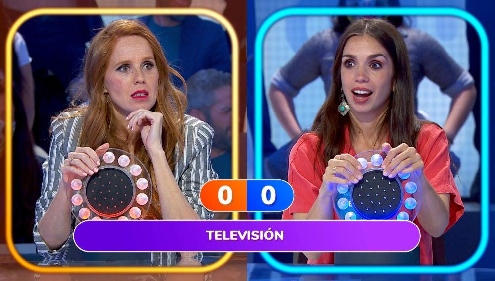 La divertida canción de televisión que ha puesto en jaque a María Castro y Elena Furiase en 'Pasapalabra'