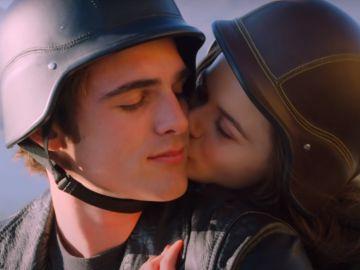 Jacob Elordi y Joey King en 'Mi primer beso 2'