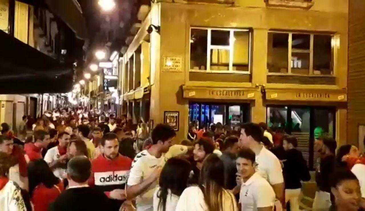 Aglomeraciones de gente sin mascarilla en la primera noche de los 'no Sanfermines' de Pamplona