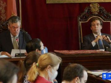 Todos los grupos del ayuntamiento de Madrid firman el acuerdo para desarrollar la ciudad tras el coronavirus