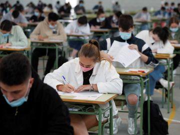 Las mejores y peores universidades de España para encontrar trabajo tras acabar la carrera