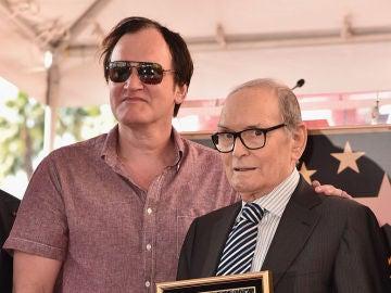 Quentin Tarantino junto a Ennio Morricone