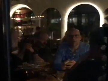 """Así estaba Melbourne horas antes del nuevo confinamiento por el coronavirus: """"Todo el mundo en los bares"""""""