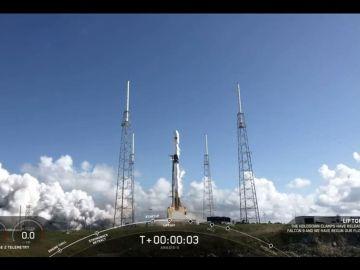 SpaceX abarata el coste de sus viajes y acerca los viajes turísticos al espacio