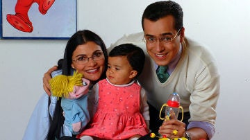 Betty y don Armando con su hija