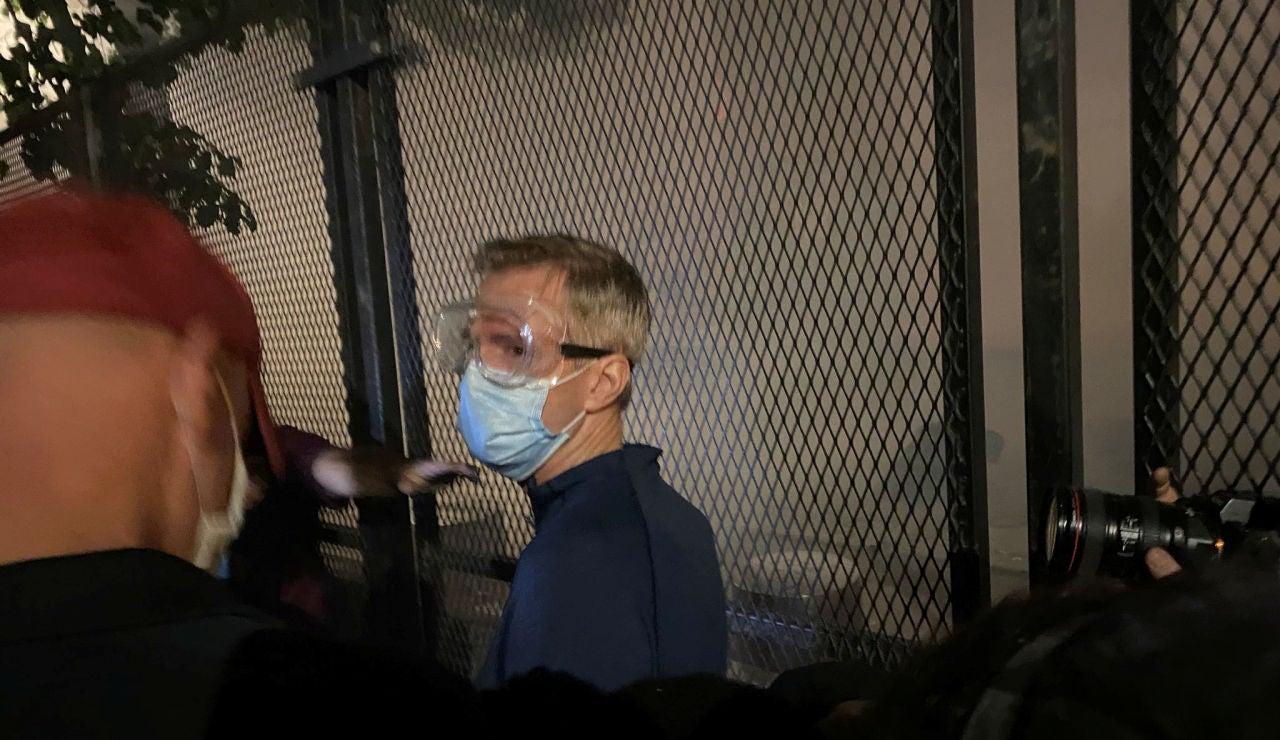 Lanzan gas lacrimógeno contra el alcalde de Portland en una manifestación por la muerte de George Floyd