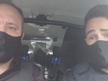 Dos policía salvan a un bebé en Lugo