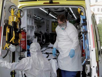 Jonathan Praena, presidente del Fuenlabrada, explica que el jugador hospitalizado se desmayó justo antes de hacerse el test