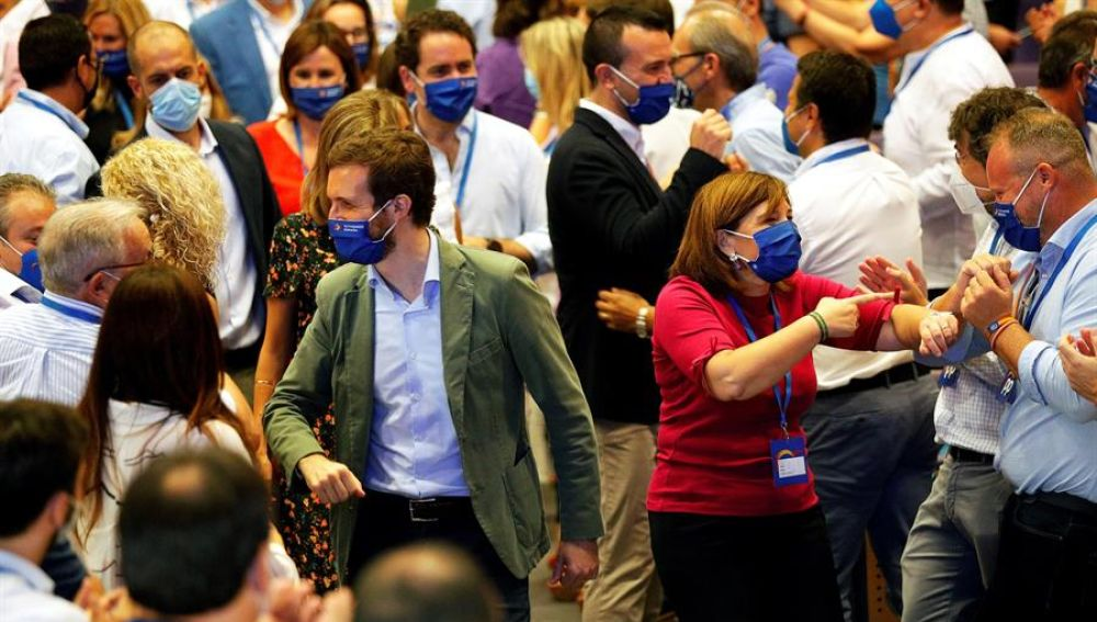 Pablo Casado propone un 'plan B' jurídico donde las autonomías puedan limitar los movimientos