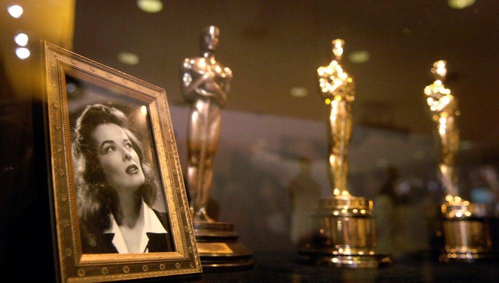 Se subasta por 92 millones de euros el anillo que regaló Howard Hughes a Katharine Hepburn