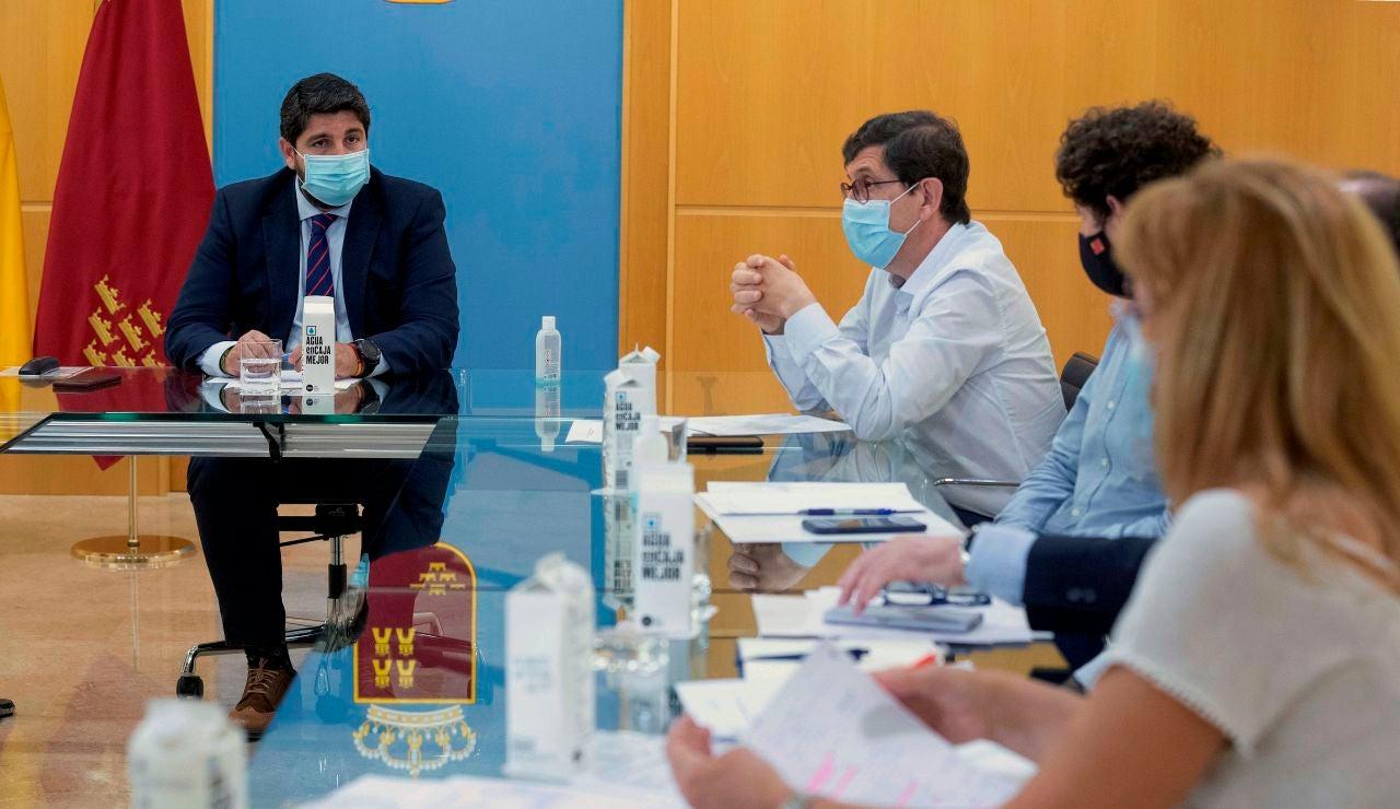 El presidente de Murcia Fernando López Miras en reunión