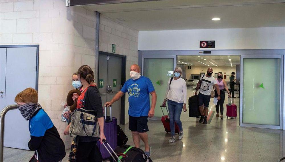 Andalucía pide un corredor seguro con el Reino Unido que exima de la cuarentena a sus turistas al regresar a su origen