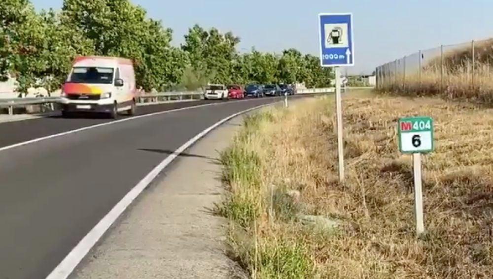 Hallan el cuerpo sin vida de una mujer y a una joven herida en una cuneta de una carretera cerca de El Álamo