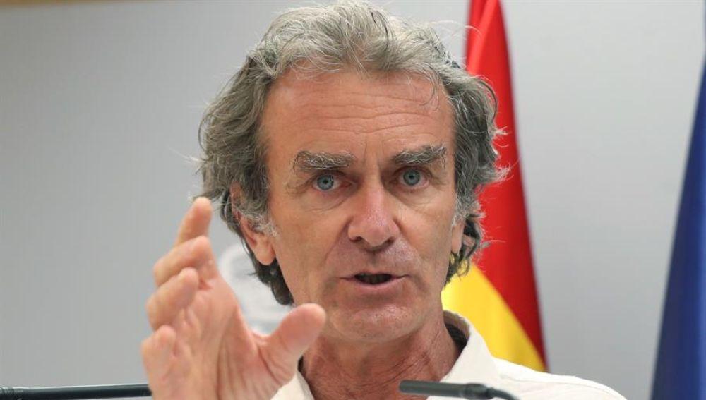 """Fernando Simón: """"Tenemos ejemplos de fiestas y discotecas donde se ha bajado la guardia contra el coronavirus"""""""