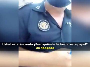 La paciencia de un policía ante una mujer que intenta evitar ser multada por no llevar mascarilla se hace viral