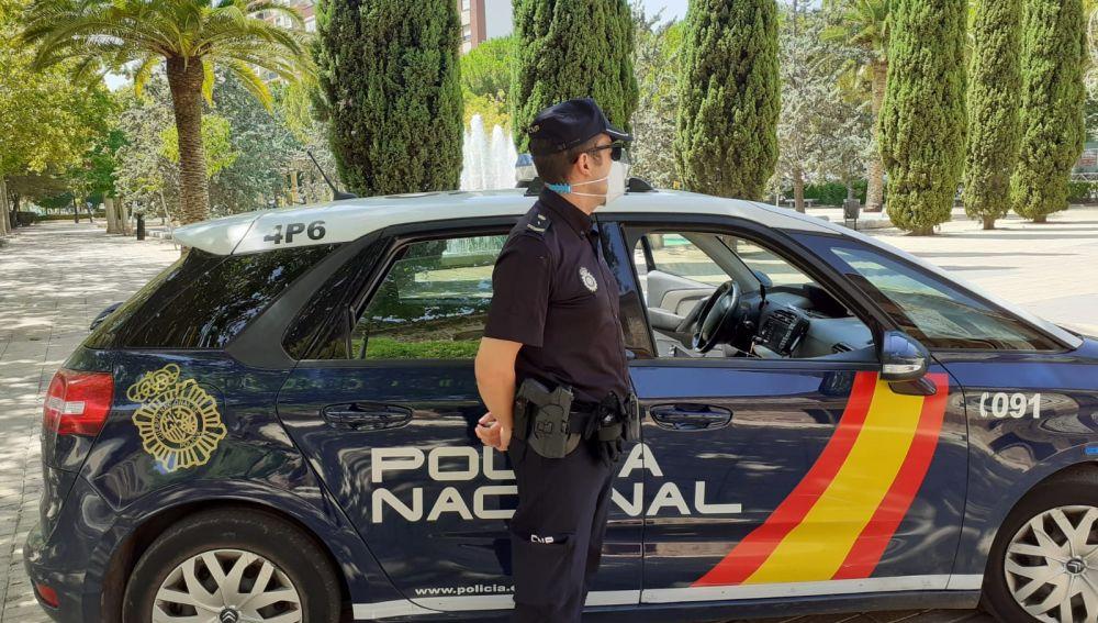 Un Policía Nacional libre de servicio evitó el robo a una persona de 85 años