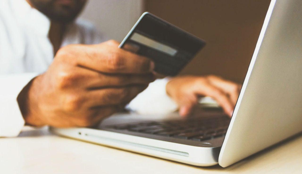 Robo de información de tarjetas de crédito.