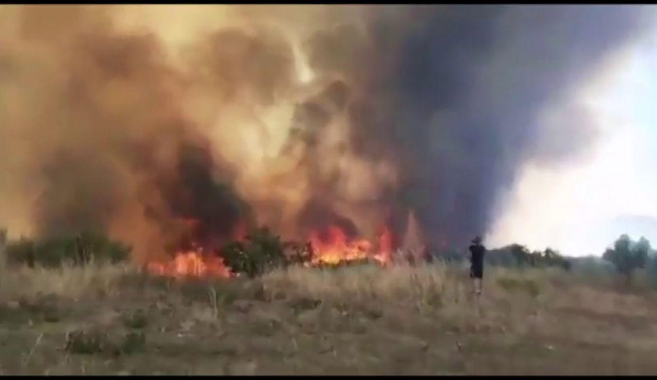 Avanza sin control un incendio en Ourense que ya ha calcinado 300 hectáreas