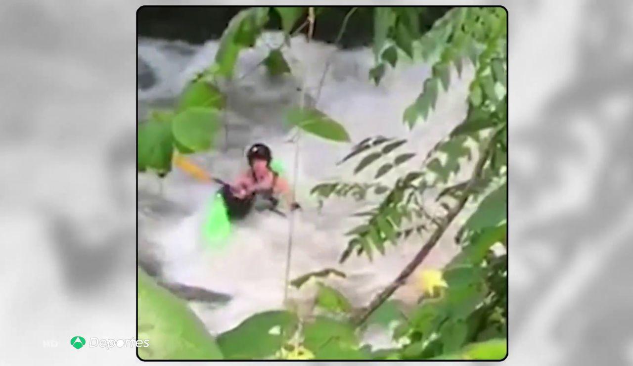 Los agónicos siete minutos del kayakista Ben Giersch atrapado en una remolino de agua