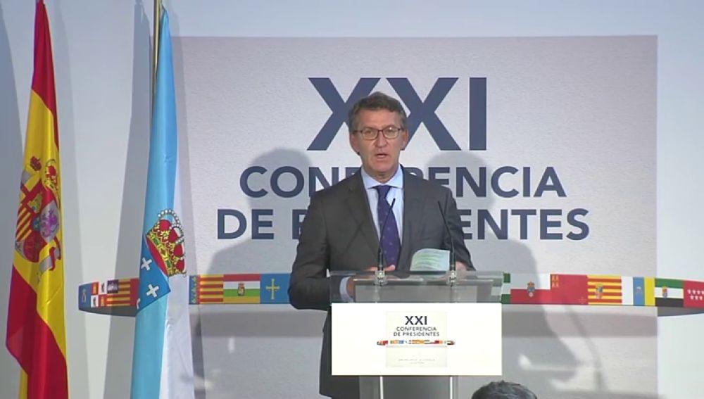 Feijóo critica la ausencia de Torra y pide que no se confunda una nación descentralizada con descoordinada