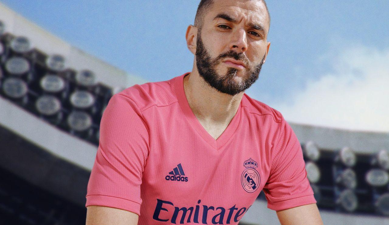 El Real Madrid combina blanco y rosa en sus nuevas camisetas para la temporada 2020/21