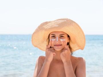 Es necesario echarse crema solar en la cara