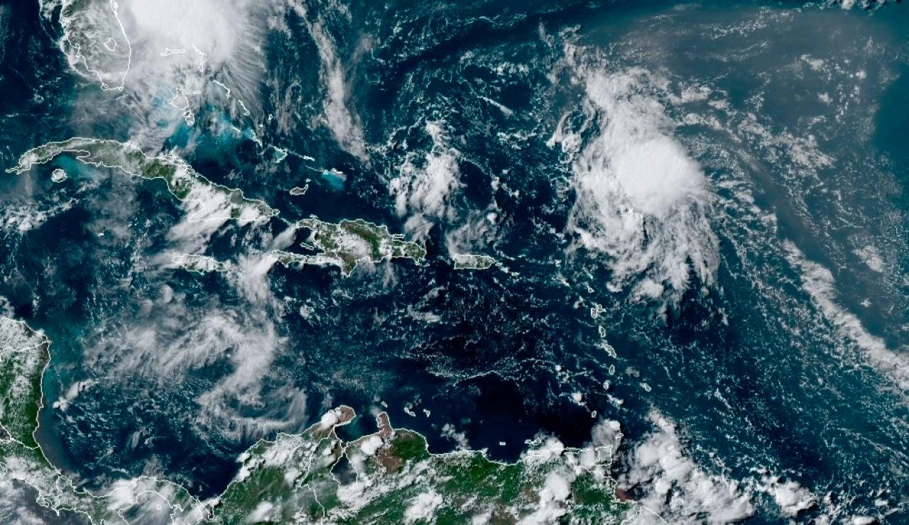 La tormenta tropical Isaías llega a Florida tras reducir su marcha