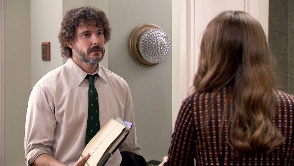 Guillermo no para de pensar en Lourdes pero aún le ata el compromiso con Cristina.