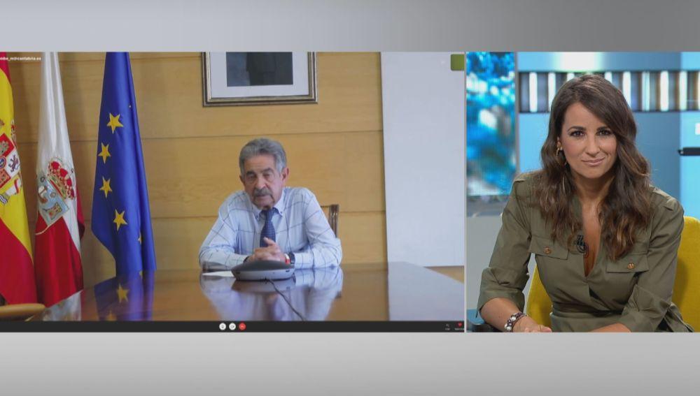 Miguel Ángel Revilla y Lorena García.